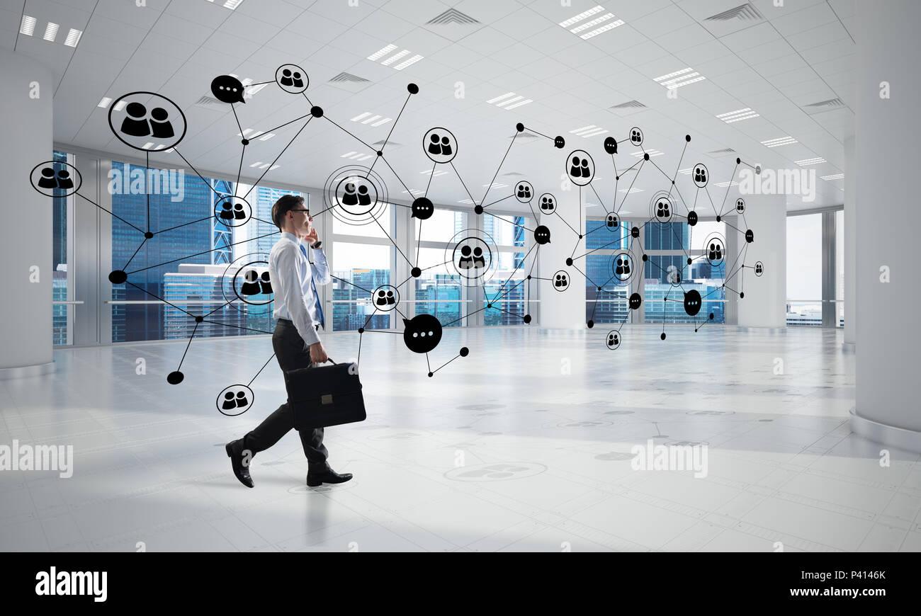 La mise en réseau et la communication sociale concept comme point efficace pour l'entreprise moderne Photo Stock