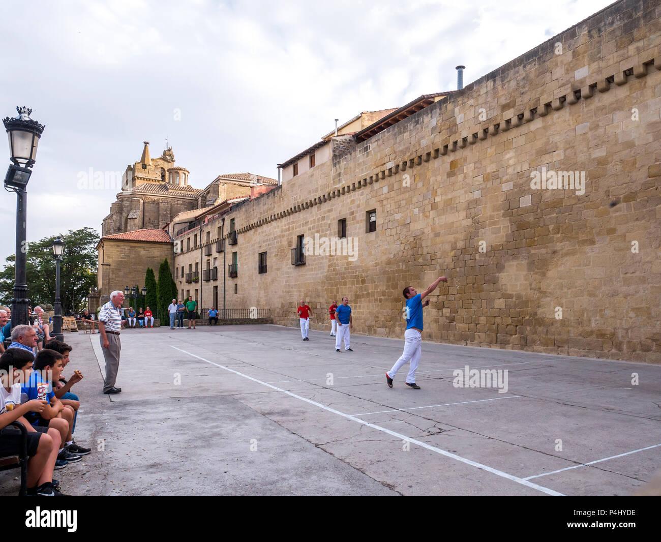 La pelota vasca en La Guardia. D'Álava. España Banque D'Images