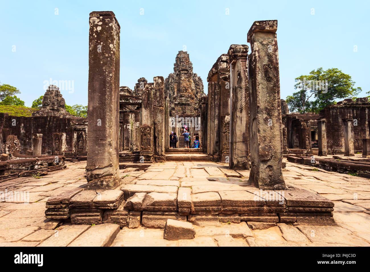 Bayon est un célèbre temple Khmer à Angkor au Cambodge Photo Stock