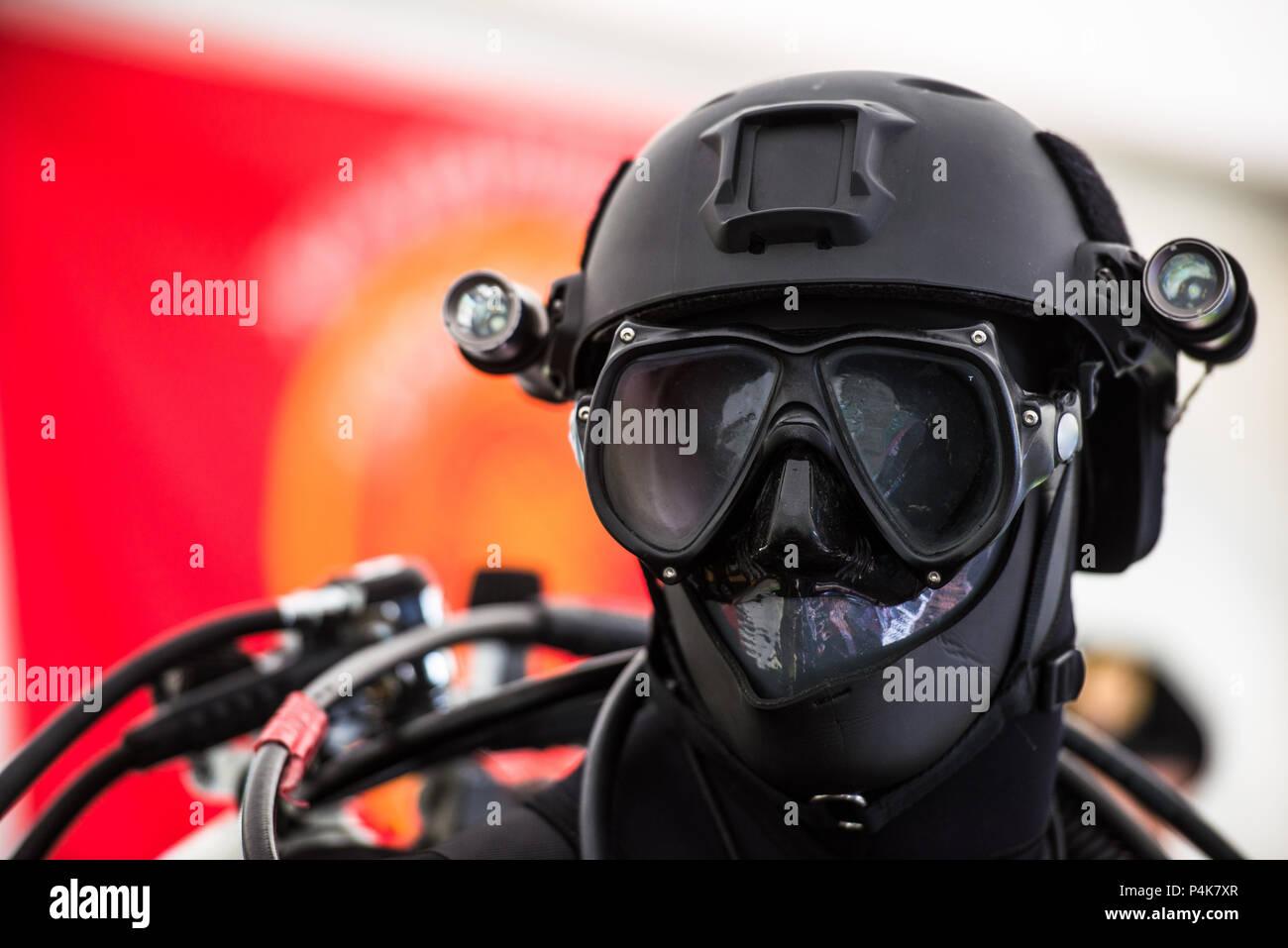 Casque de plongée de combat tactique de combinaison de plongée pour la police et l'armée des missions de plongée Photo Stock
