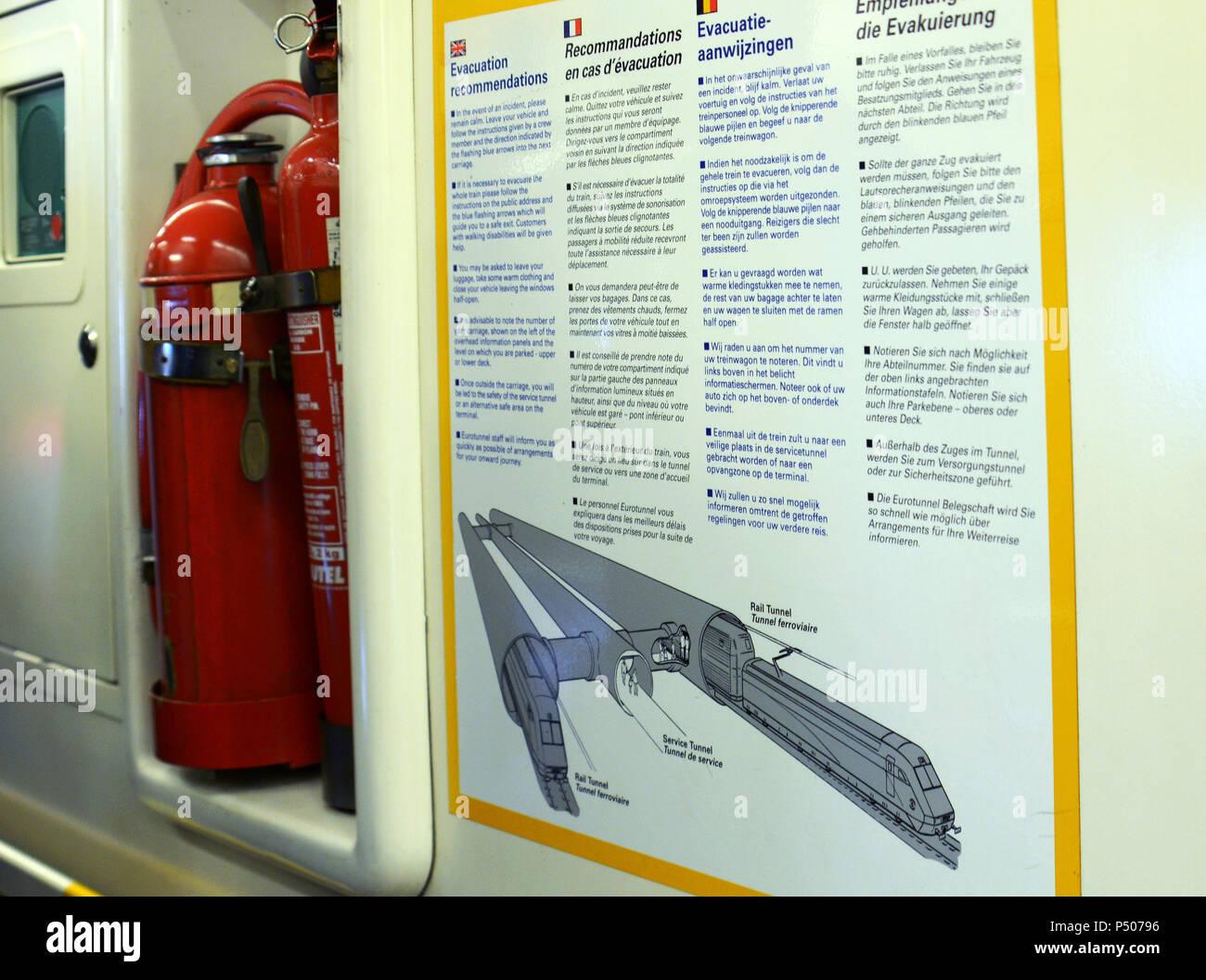 Angleterre / France Eurotunnel Le Shuttle train voiture défaillantes pour conducteur et les passagers Photo Stock