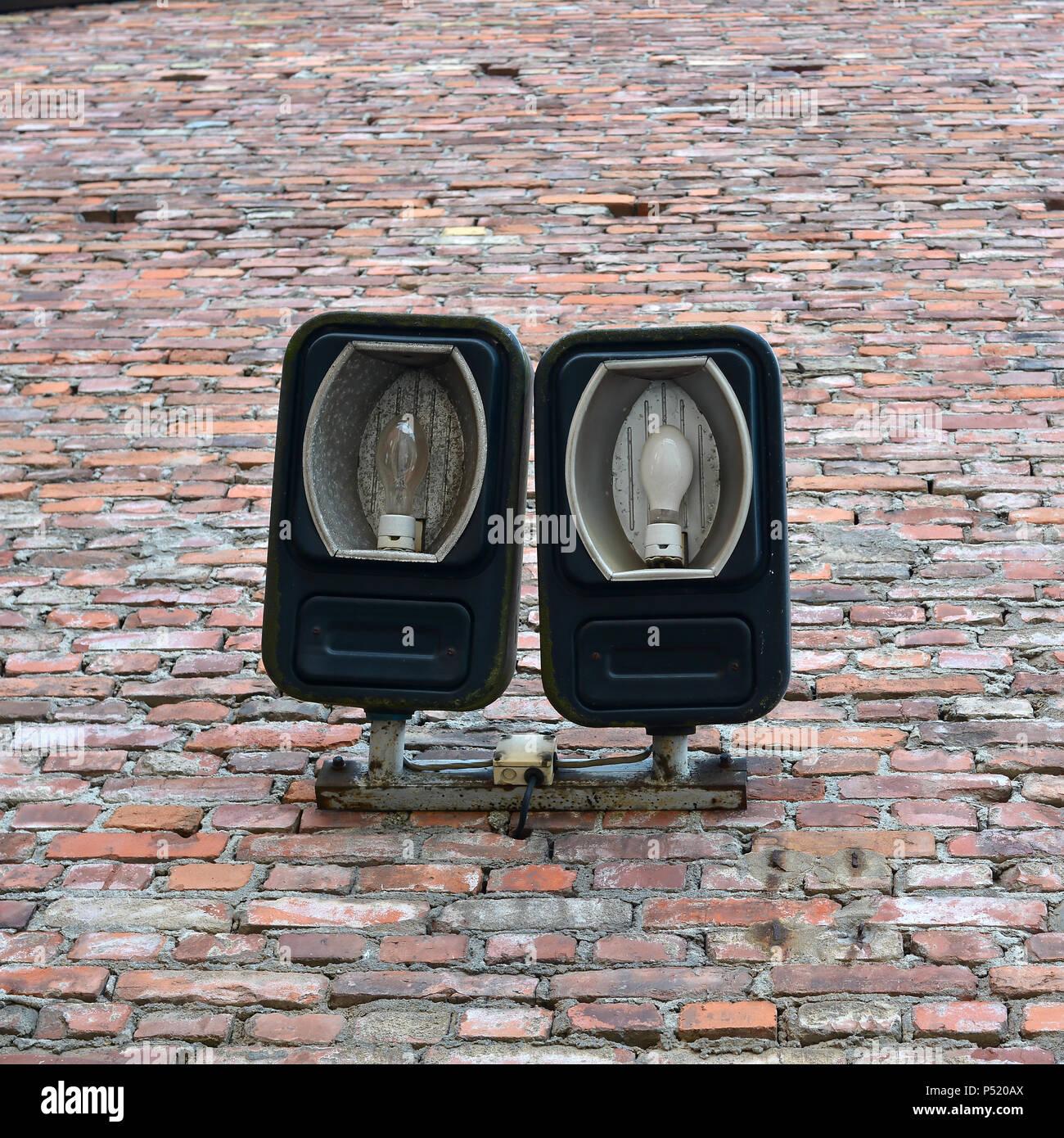 Lanternes à une ancienne usine Photo Stock