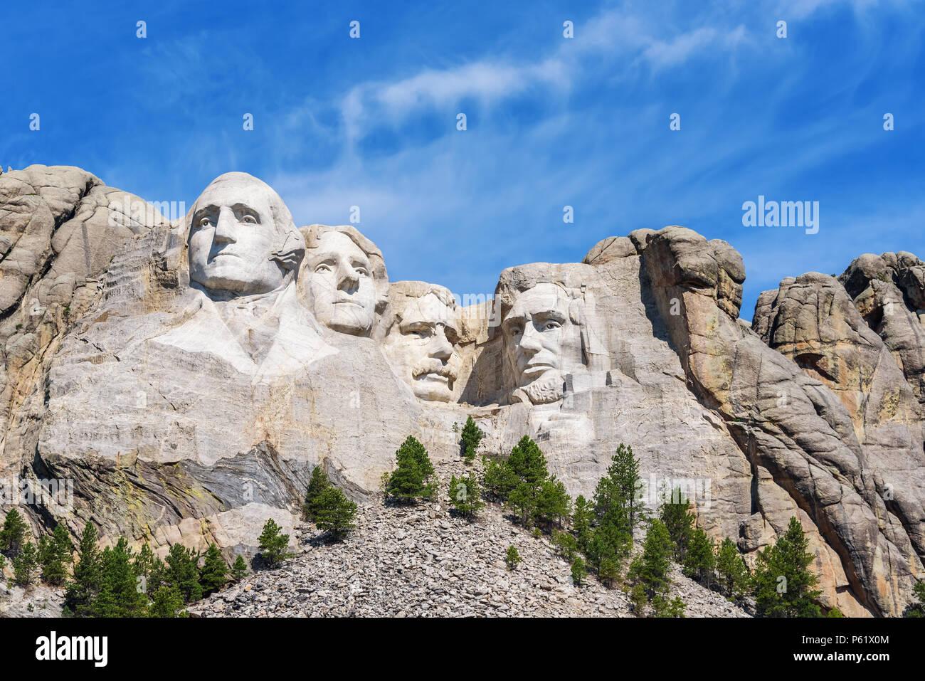 Sculpture présidentielle à Mount Rushmore national memorial, Etats-Unis. Journée ensoleillée, ciel bleu. Photo Stock