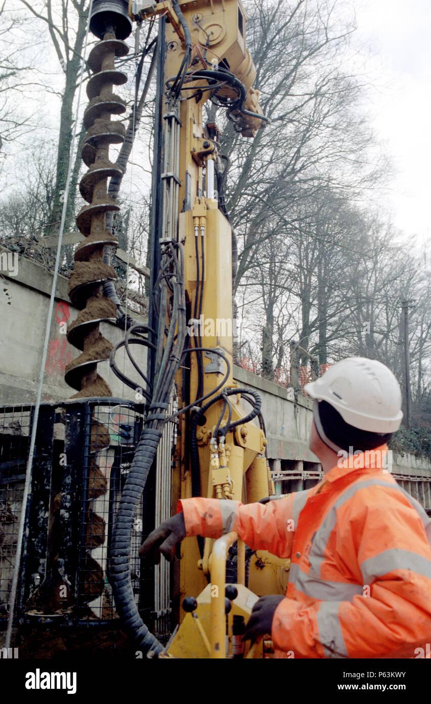 Gloucester minipile age avec de l'opérateur au travail - équipé de pile garde. Le dessin rempli de bon augure pour supprimer gâcher Banque D'Images