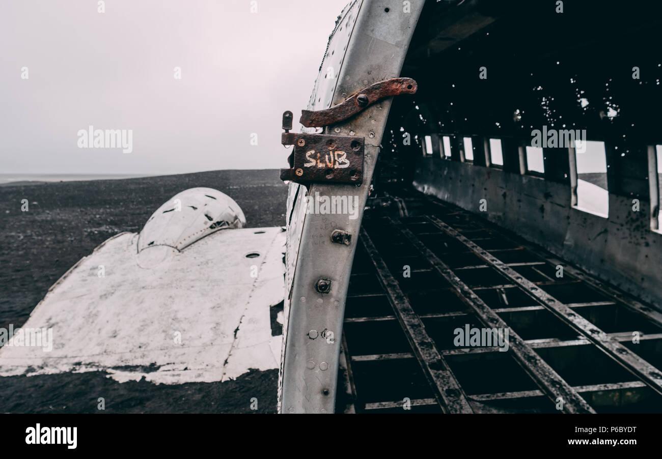 Close up of plane wreck en Islande avec aucun peuple sans des gens Photo Stock