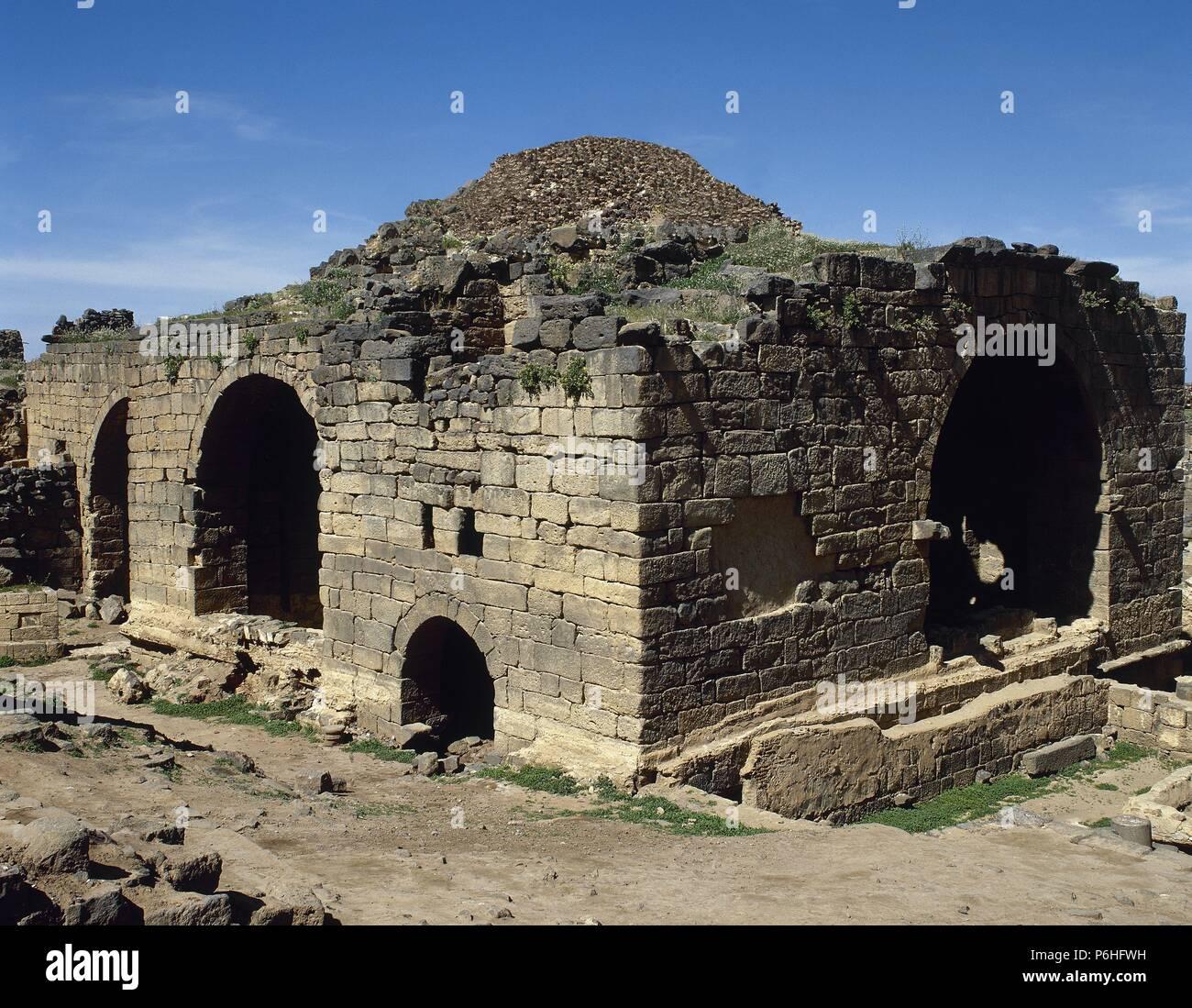Arte Romano Proximo Oriente Bosra Vista Exterior De Uno De Los - Baos-antiguos