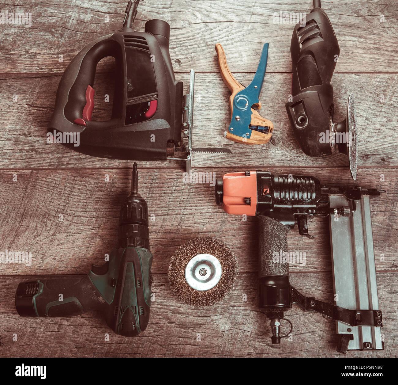 Outils électriques manuels, tournevis, scie pour foret jigsaw jointer. Banque D'Images
