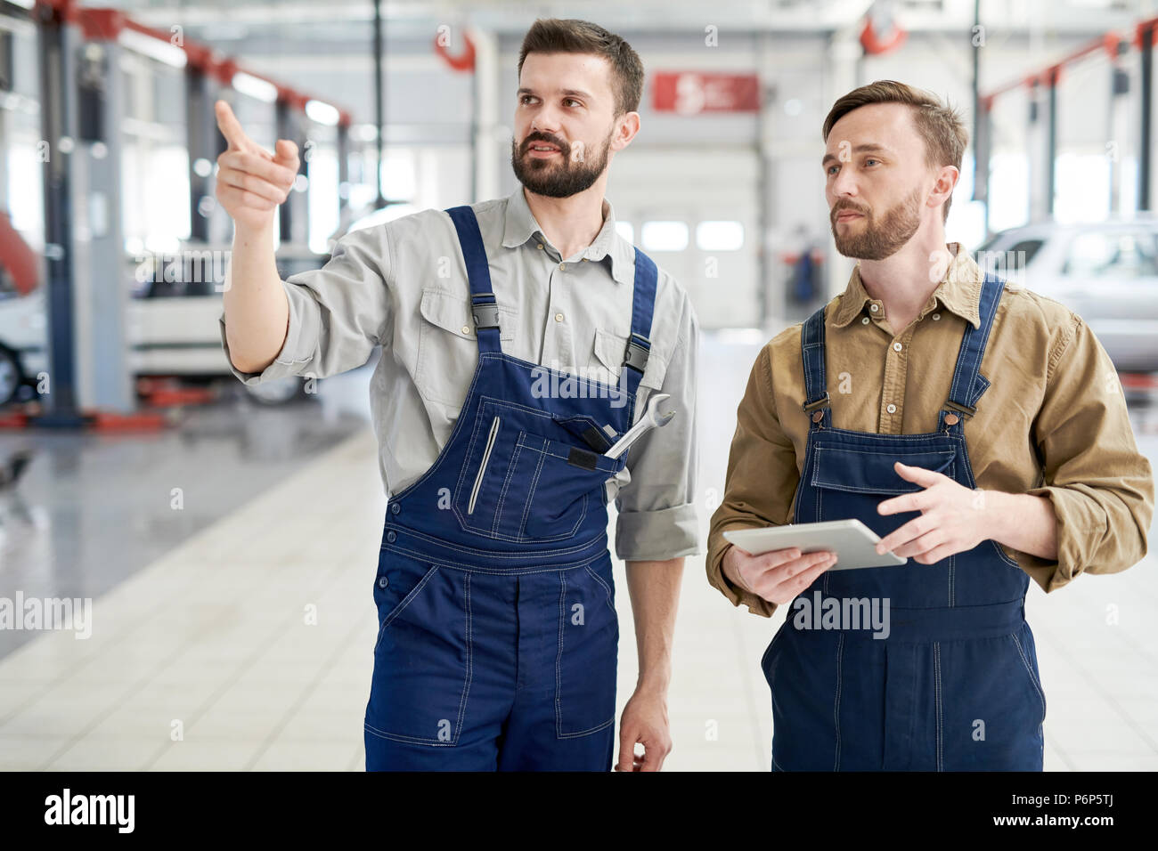 La mécanique moderne au travail Photo Stock