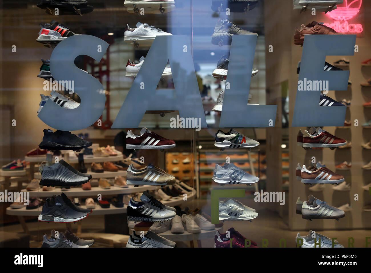 Une vitrine mondiale des sports d'un service de vente de publicité. Bâle. La Suisse. Photo Stock