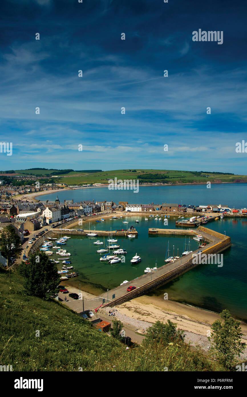 Et Stonehaven Stonehaven Harbour et l'Aberdeenshire Coast, Aberdeenshire, Ecosse Banque D'Images