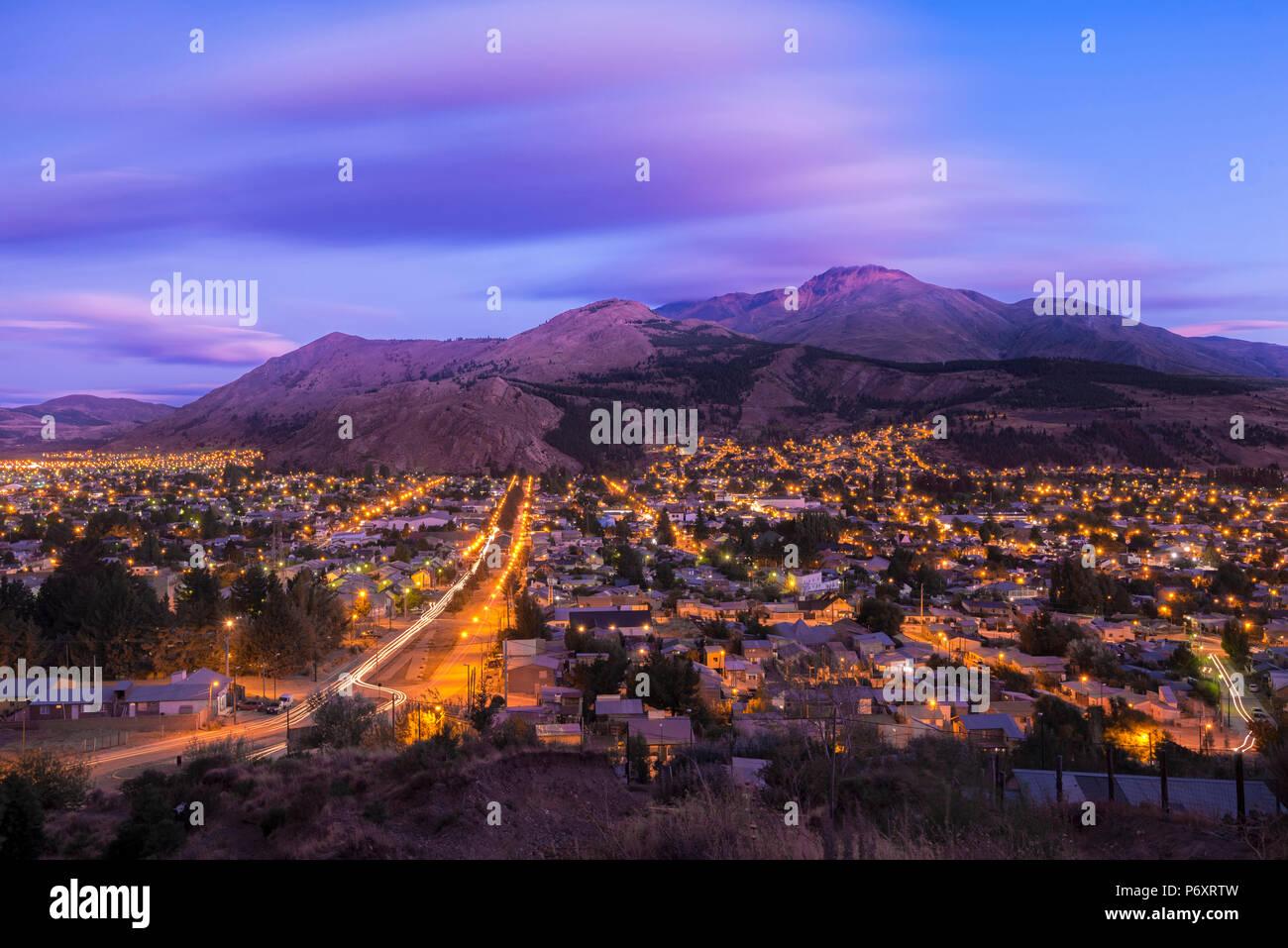 L'Amérique du Sud, Argentine, Patagonie, Rio Negro, Esquel la nuit Photo Stock