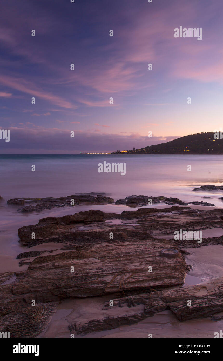 Lorne plage au coucher du soleil, Great Ocean Road, Victoria, Australie Photo Stock