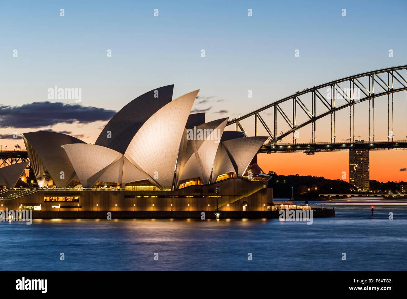 Sydney au coucher du soleil. Opera House de Mme Macquaries Chair. New South Wales, Australie Photo Stock