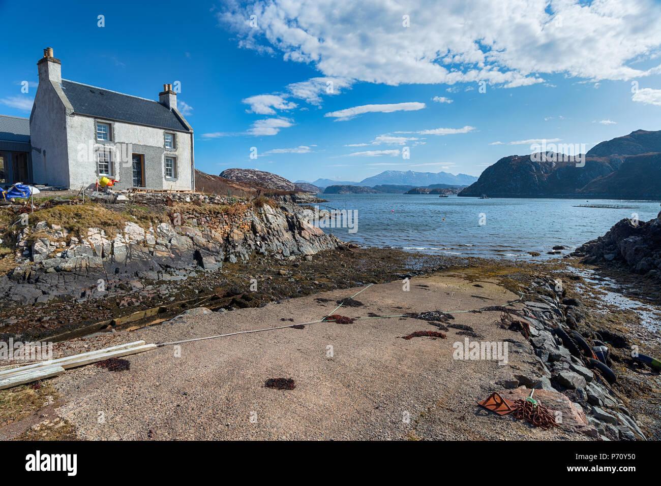 Le hameau éloigné de Fanagmore sur les rives du Loch Laxford à Sutherland dans les Highlands écossais dans le nord-ouest de l'Ecosse jusqu'. Photo Stock