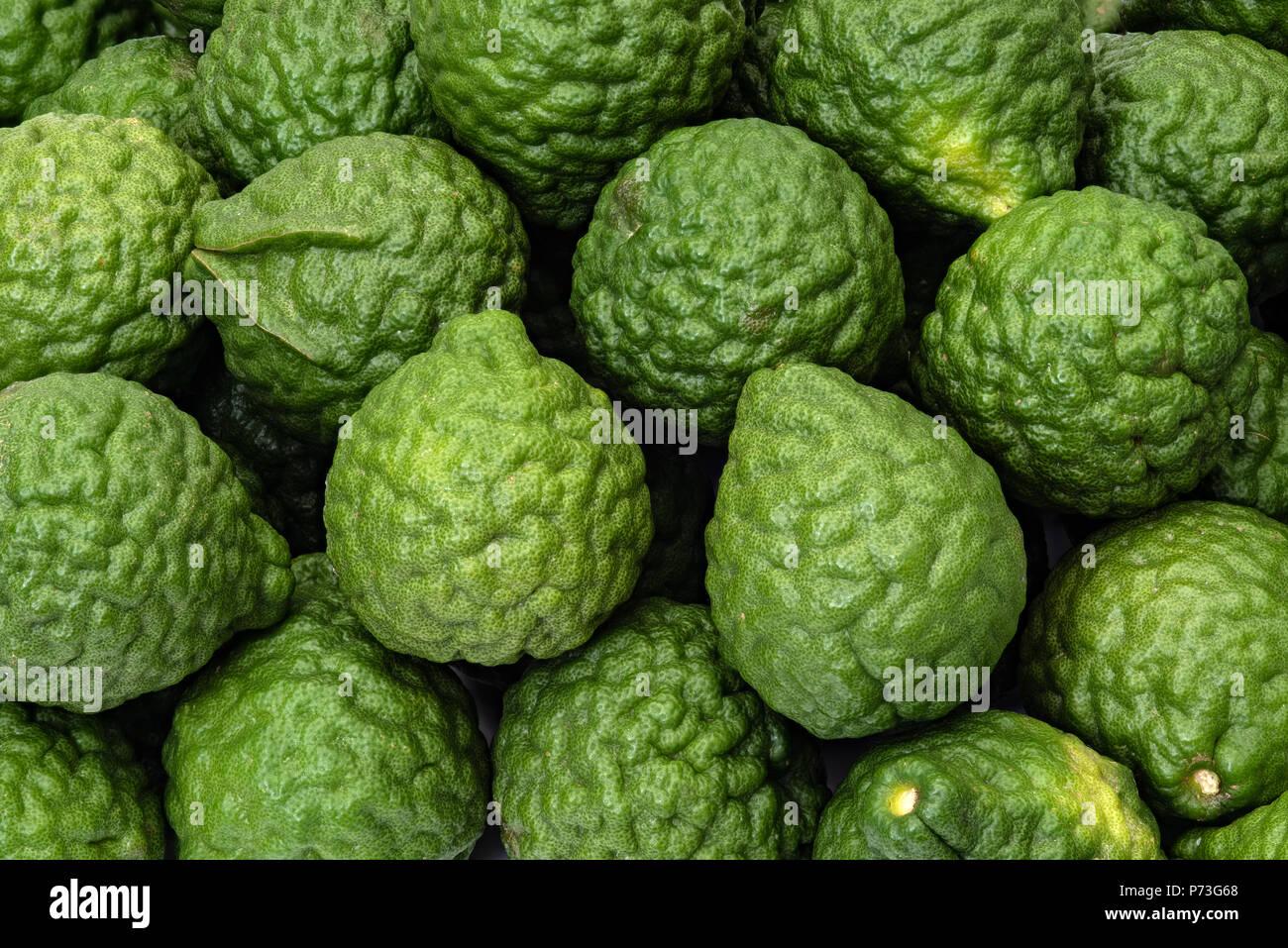 Citrus hystrix limes kaffir, fruits de la phytothérapie produits Banque D'Images