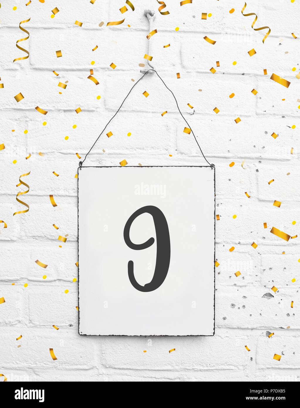 9 Ans Carte Anniversaire Texte Avec Golden Confettis Numero 9