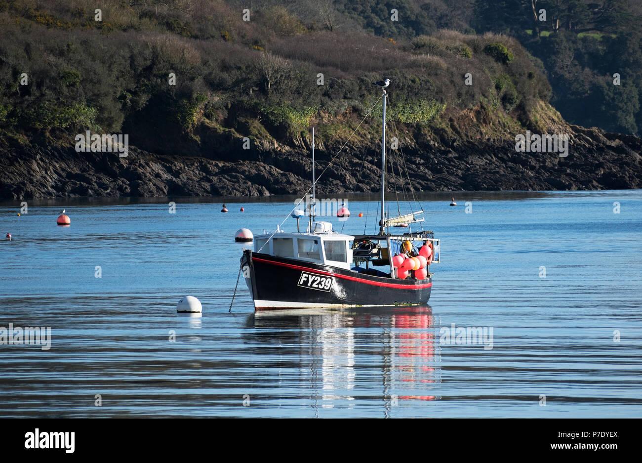 Bateau de pêche sur la rivière helford à Cornwall, Angleterre, Grande-Bretagne, Royaume-Uni. Photo Stock