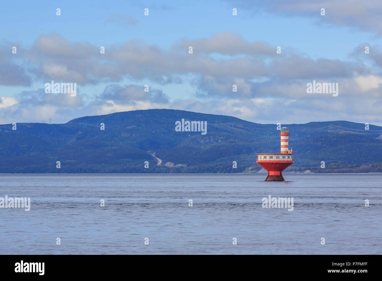 Phare Phare du Haut-Fond Prince dans le fleuve Saint-Laurent, Tadoussac, Québec, Canada Photo Stock