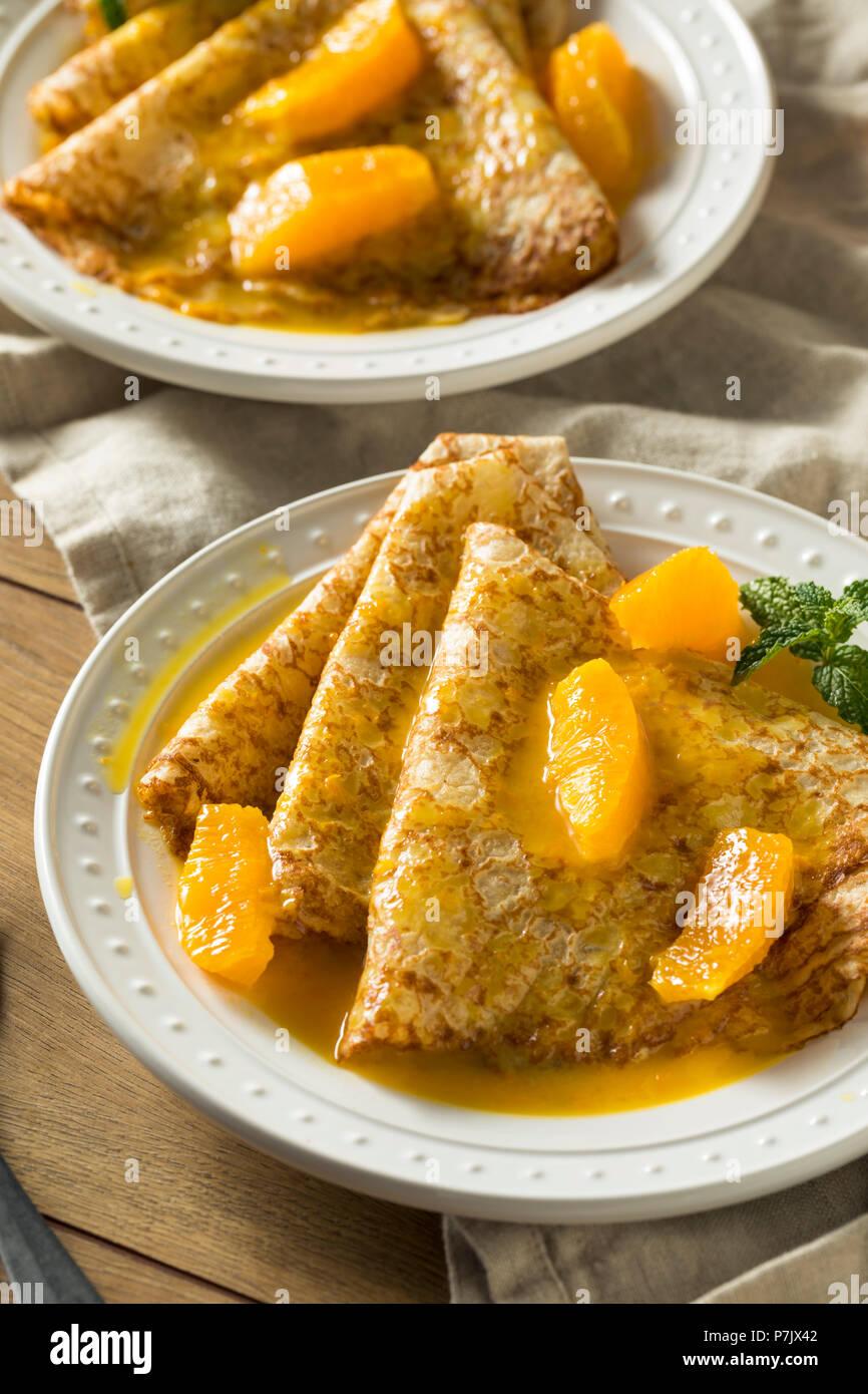 Sweet Orange faits maison pour le petit-déjeuner crêpes Suzette Photo Stock