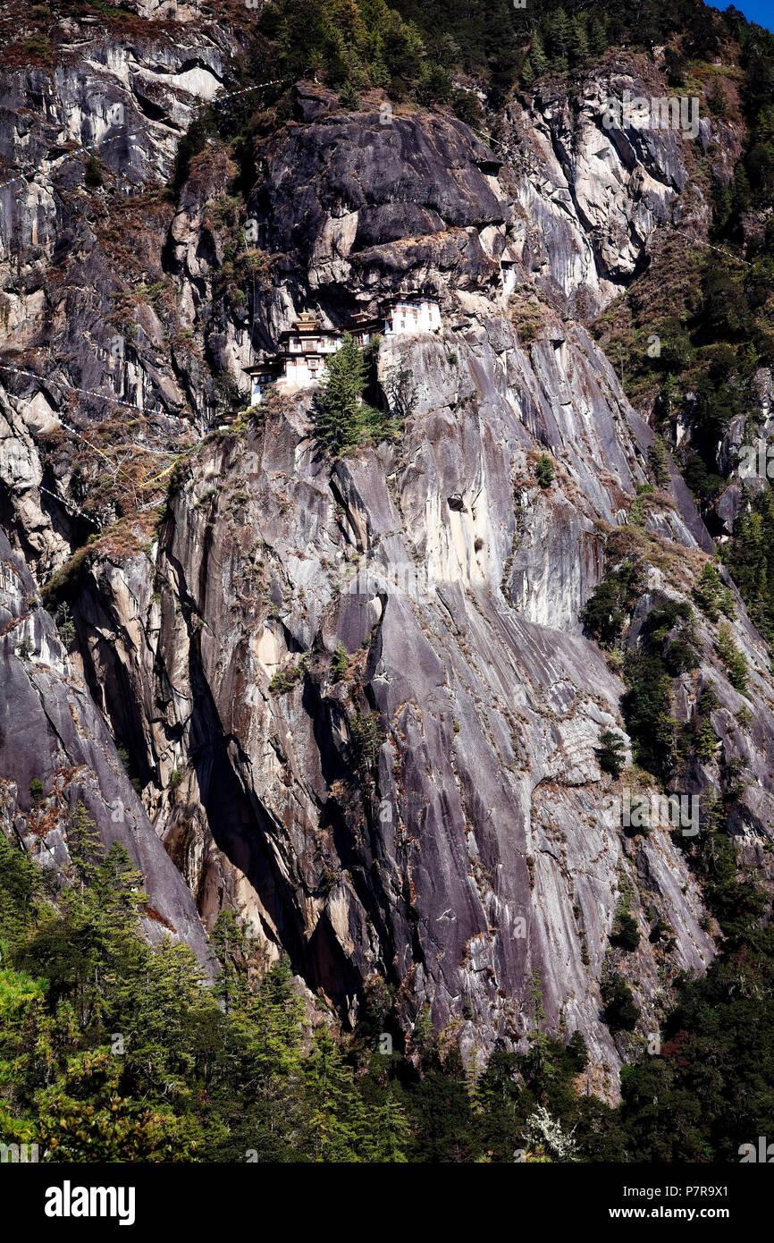Palphug ou monastère Taktsang les Tigres Nest près de Paro au Bhoutan a été constructued en 1692. Banque D'Images
