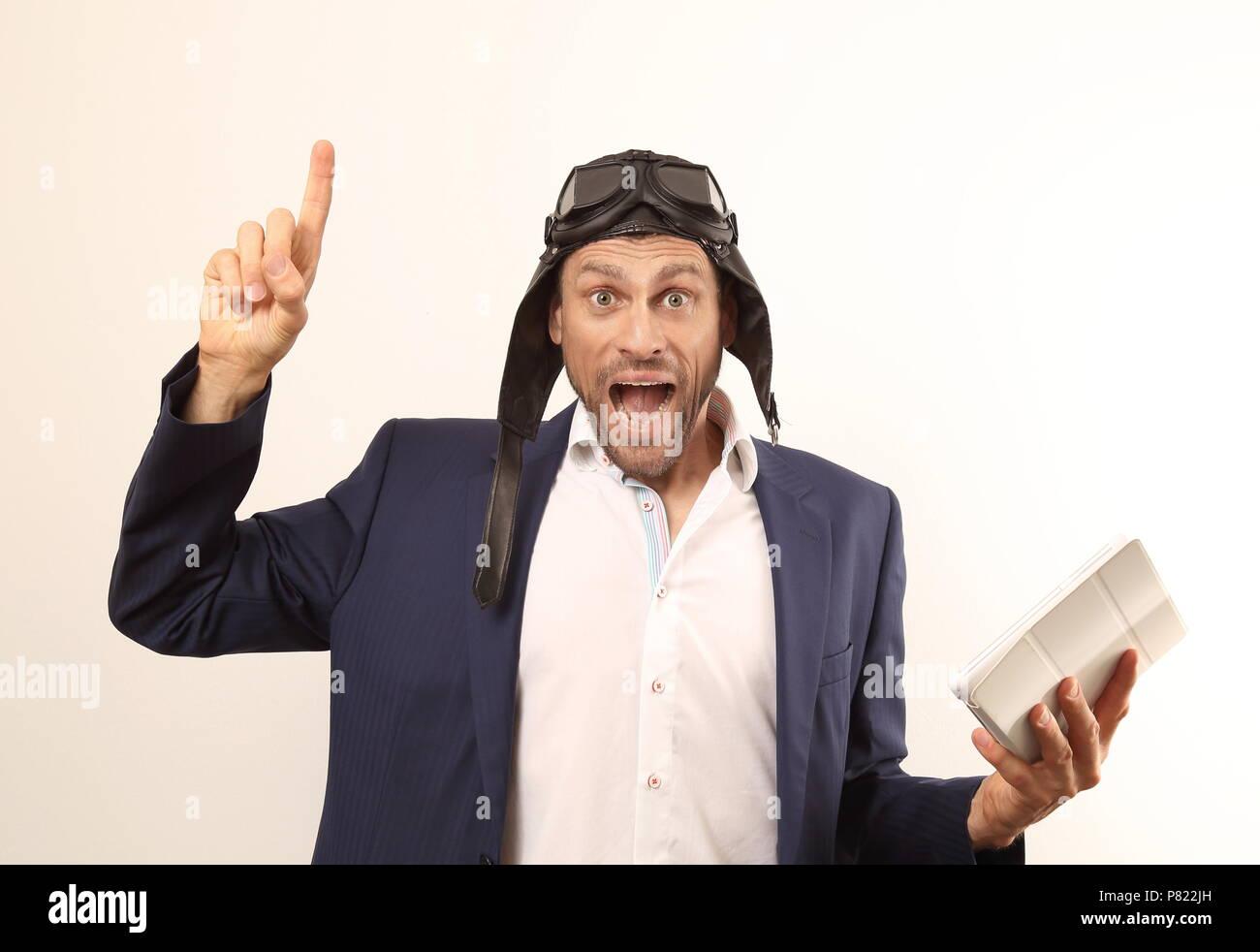 Un fou il automotive business nerd with tablet PC Photo Stock