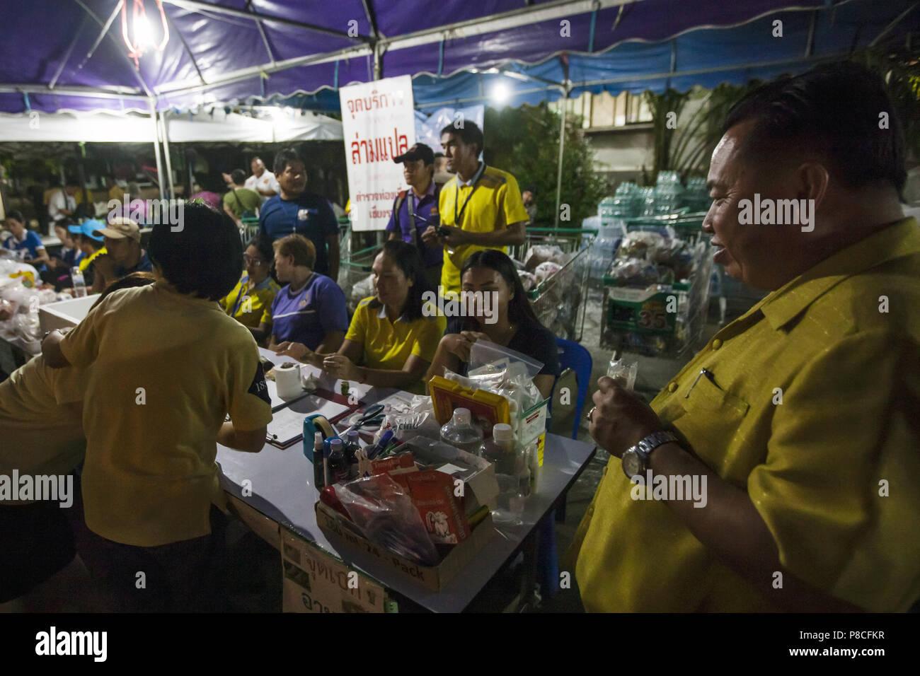 Chang rai thaïlande. 10 juillet 2018. les bénévoles et les
