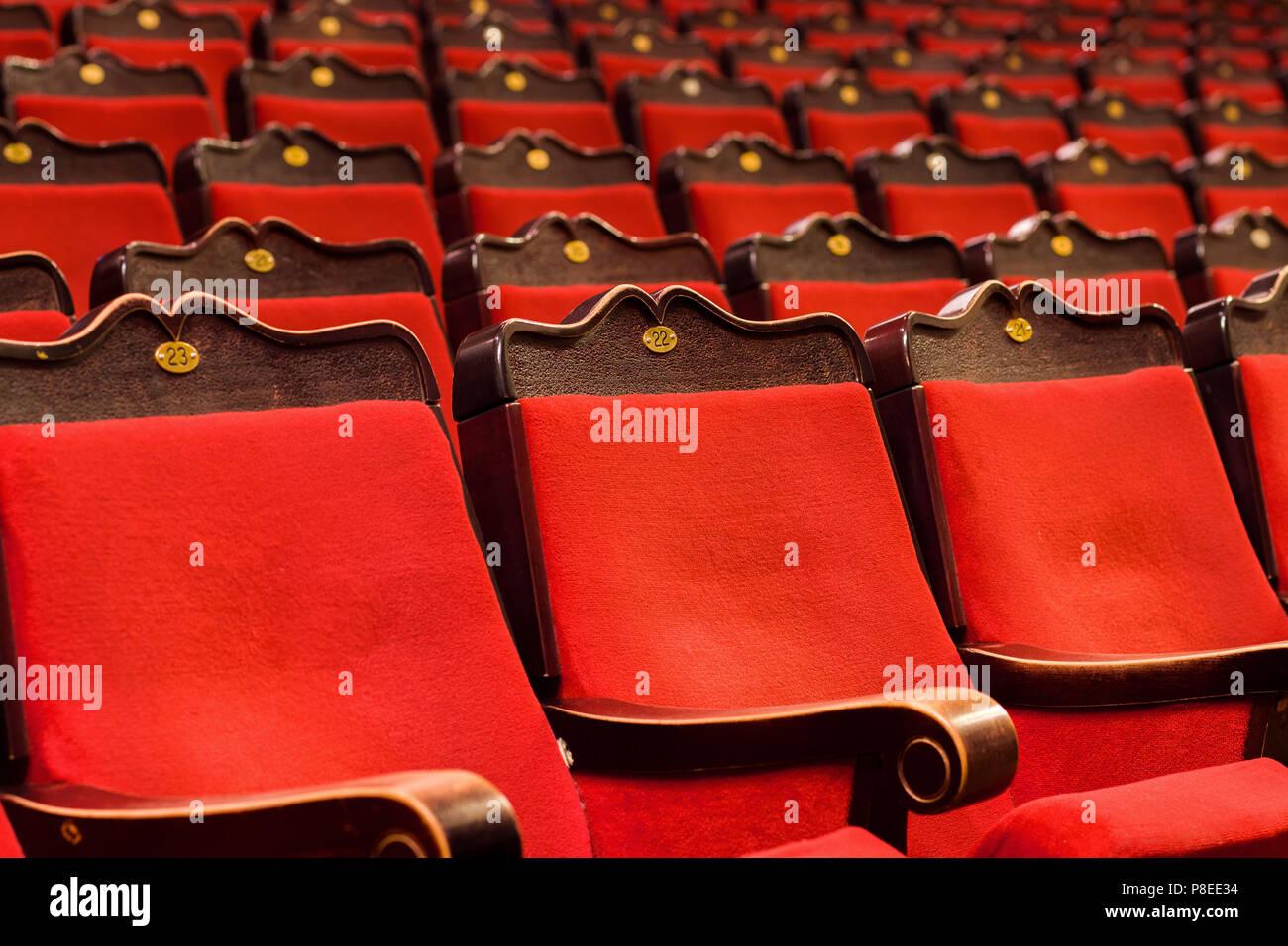 Chaise rouge dans le théâtre Banque D'Images