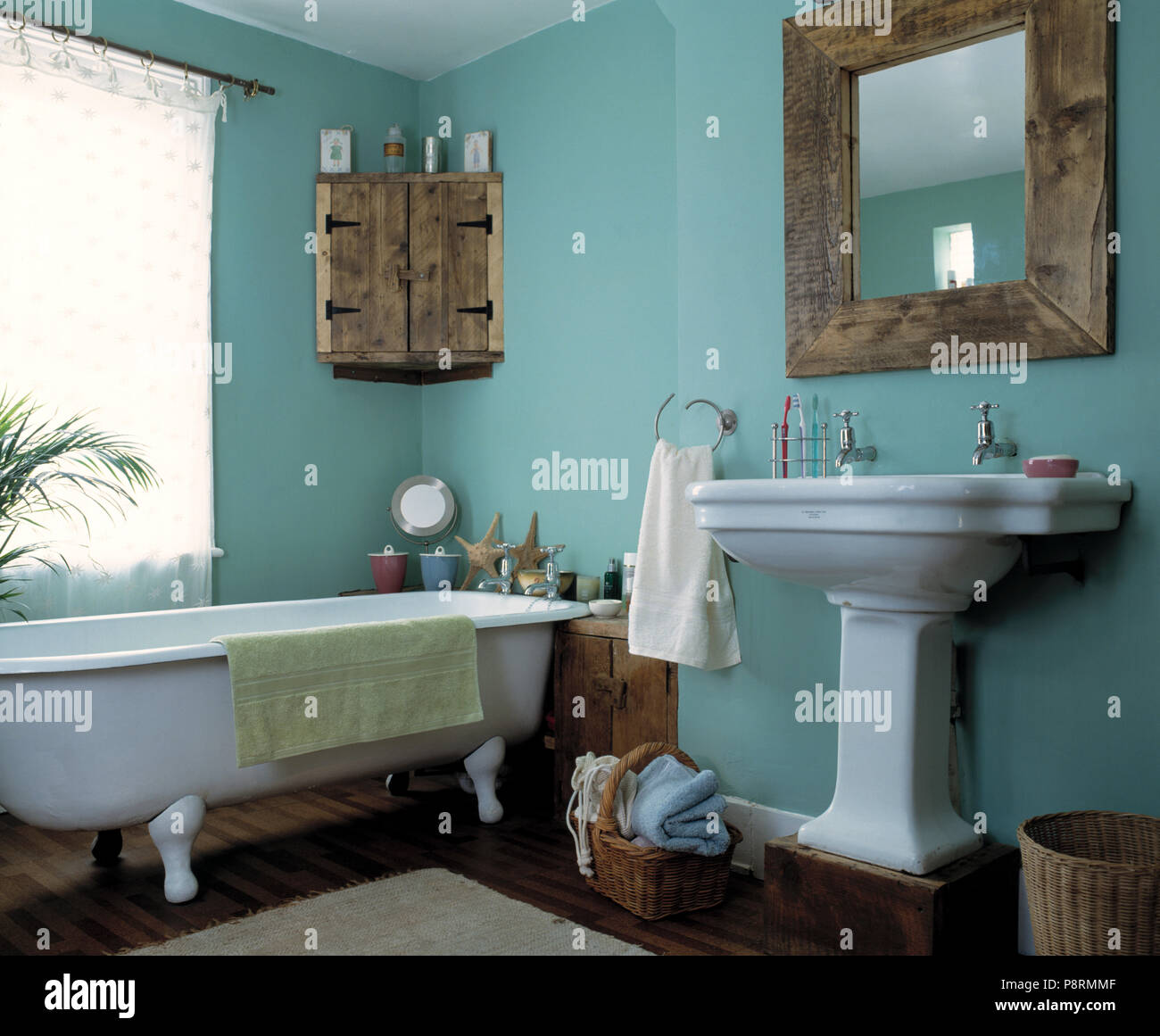 Miroir en bois rustique et d\'encoignure de style économique ...