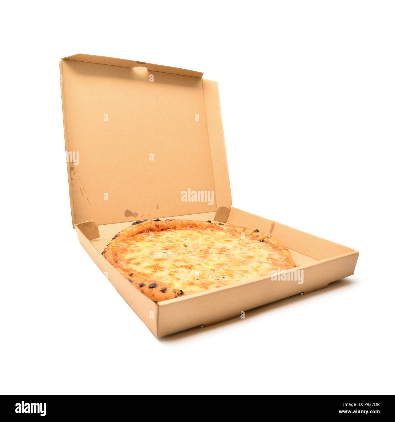 Quattro formaggi pizza dans la boîte en carton isolated on white Banque D'Images