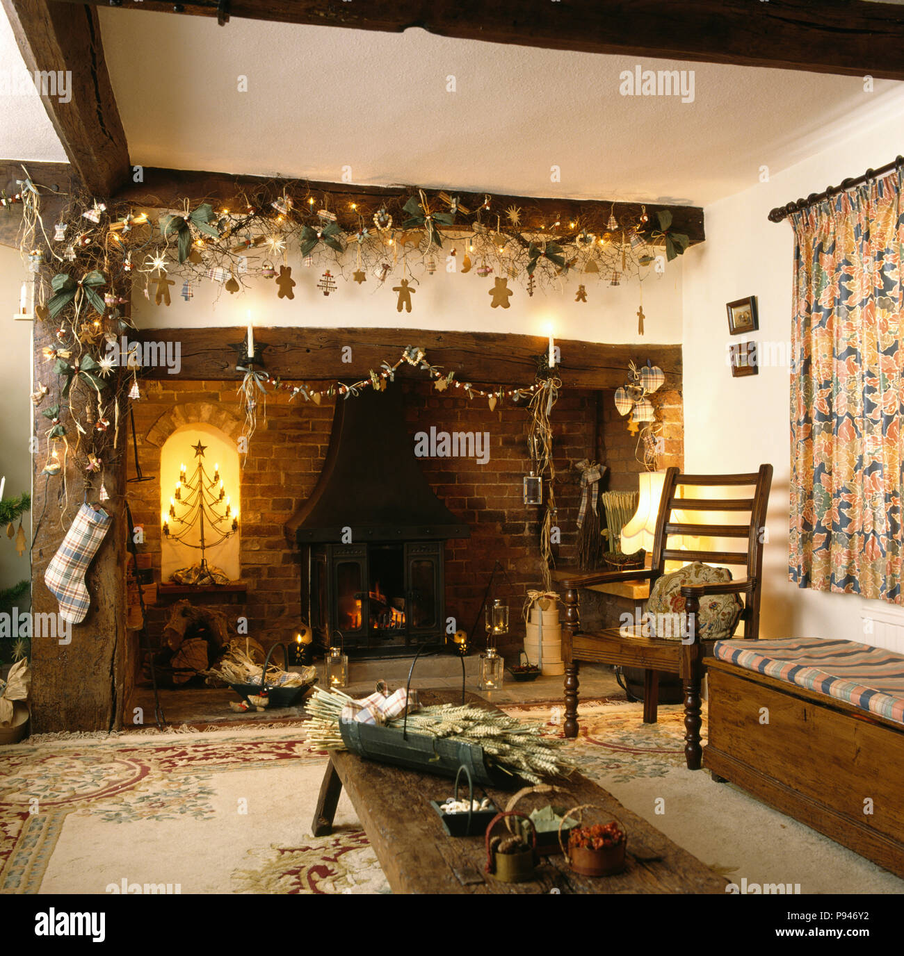 d corations de no l faites maison sur potence au dessus de. Black Bedroom Furniture Sets. Home Design Ideas