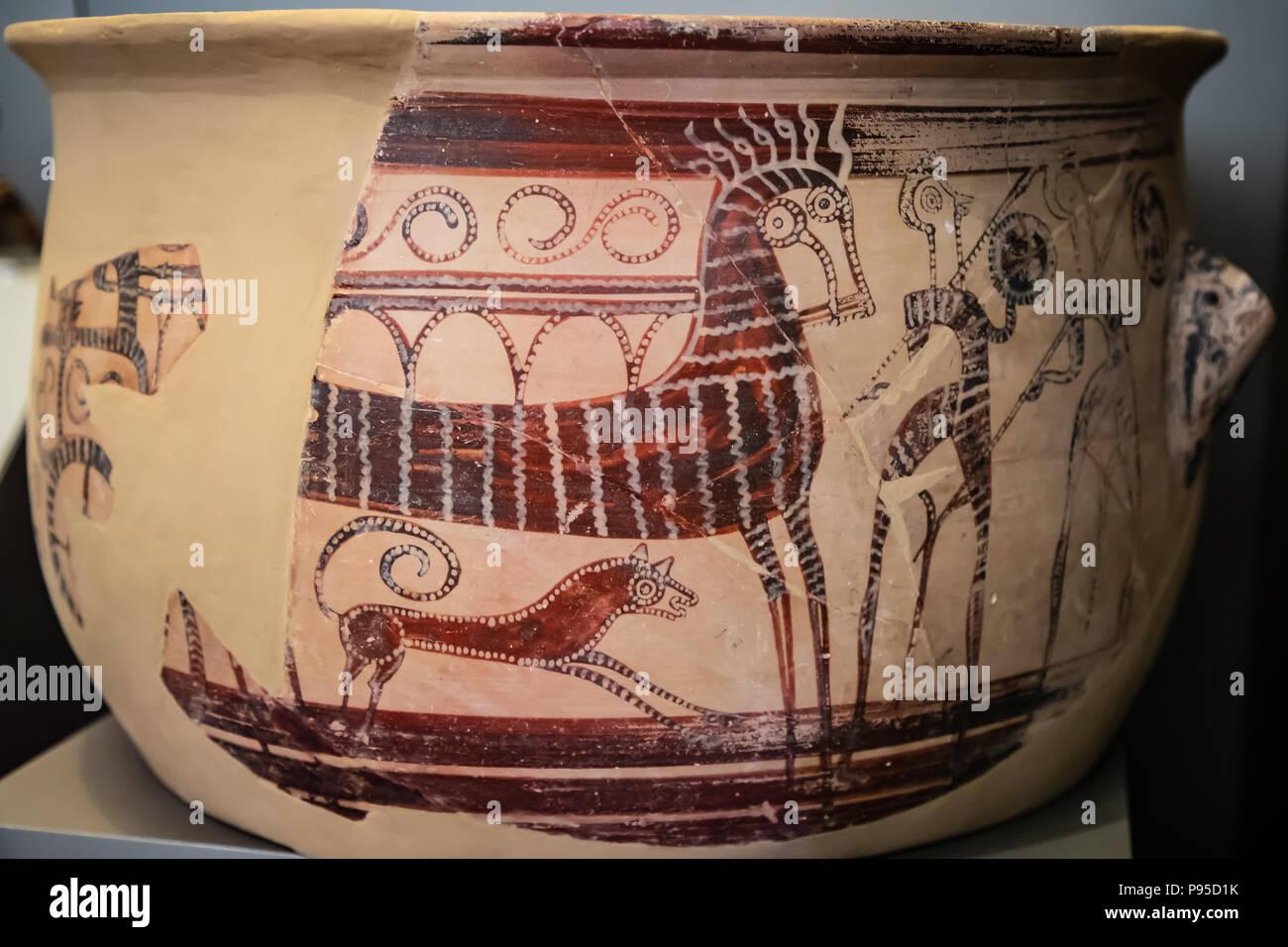 Fragments d'un grand cratère (Grec navire utilisé pour le vin et l'eau), illustration de Tirynthe Atelier, deux chevaux char, 13ème - 12ème siècle. Photo Stock