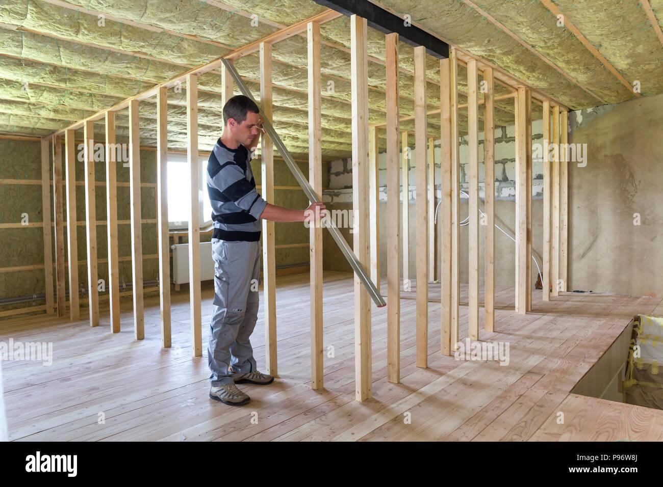 Bois Pour Mur Chambre les jeunes travailleurs beau la construction de châssis en