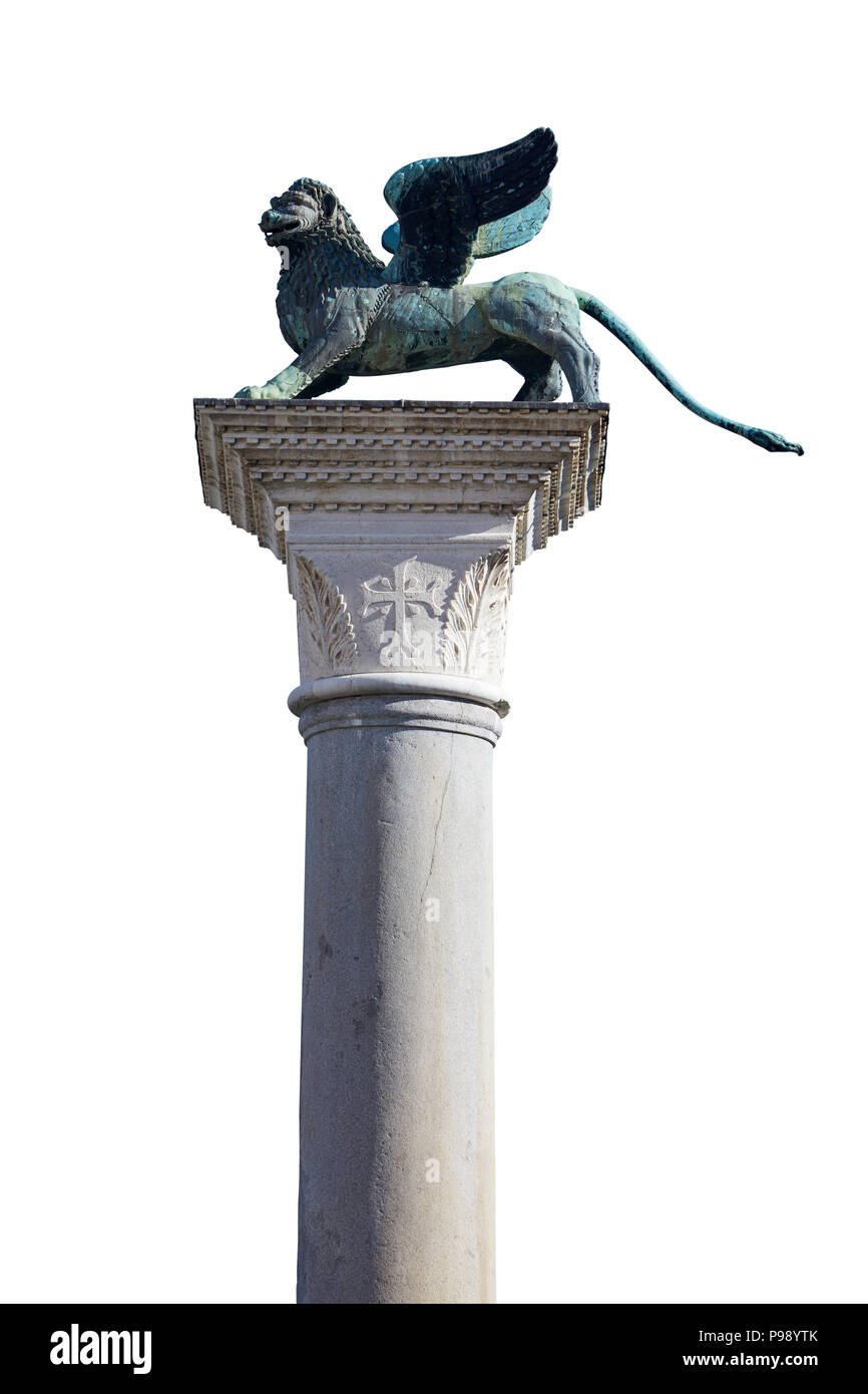 Statue de lion ailé, symbole de Venise isolé sur blanc, chemin de détourage inclus Photo Stock