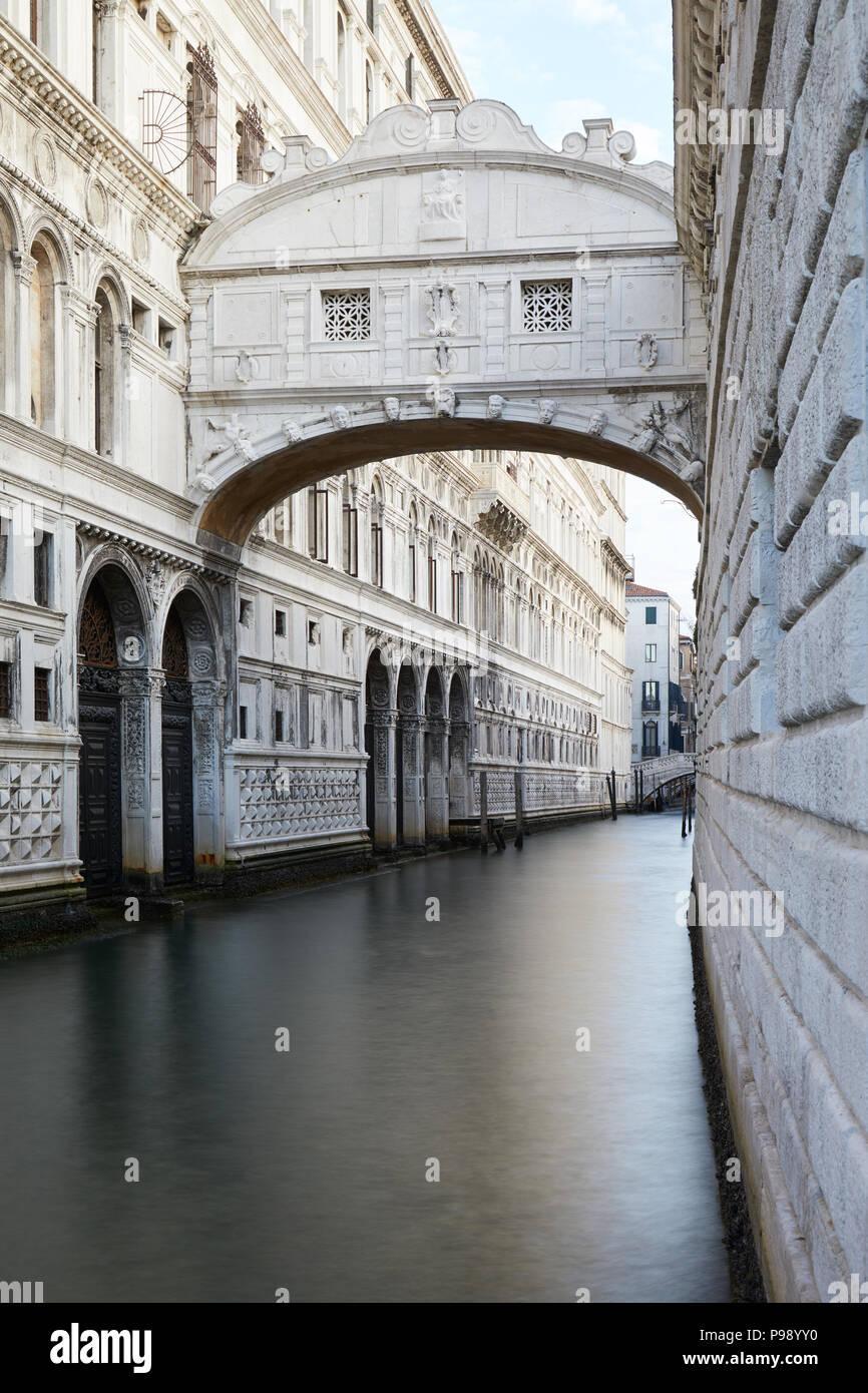 Pont des Soupirs, personne à Venise en début de matinée, Italie Photo Stock