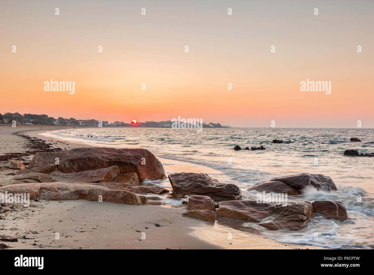 La plage de Carnac, Bretagne, France. Banque D'Images