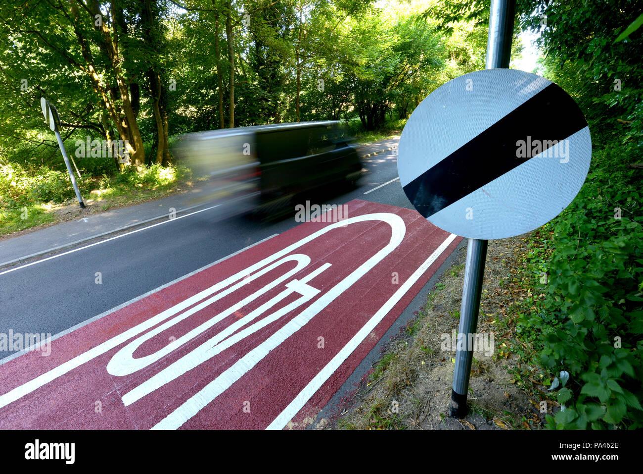 Les panneaux de limitation de vitesse UK Photo Stock