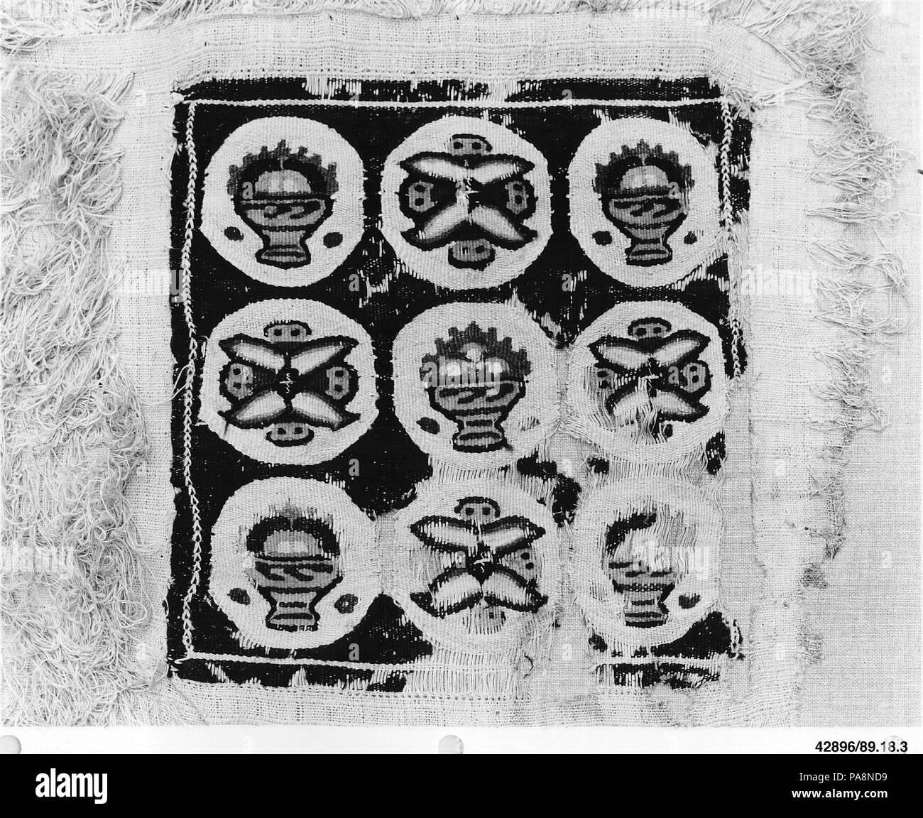 Fragment. Dimensions: Textile: 18 7/8 x 16 3/4 in. (48 x 42,6 cm): montage de stockage 25 x 24 1/2 in. (63,5 x 62,2 cm). Date: 4ème-5ème siècle. Musée: Metropolitan Museum of Art, New York, USA. Banque D'Images