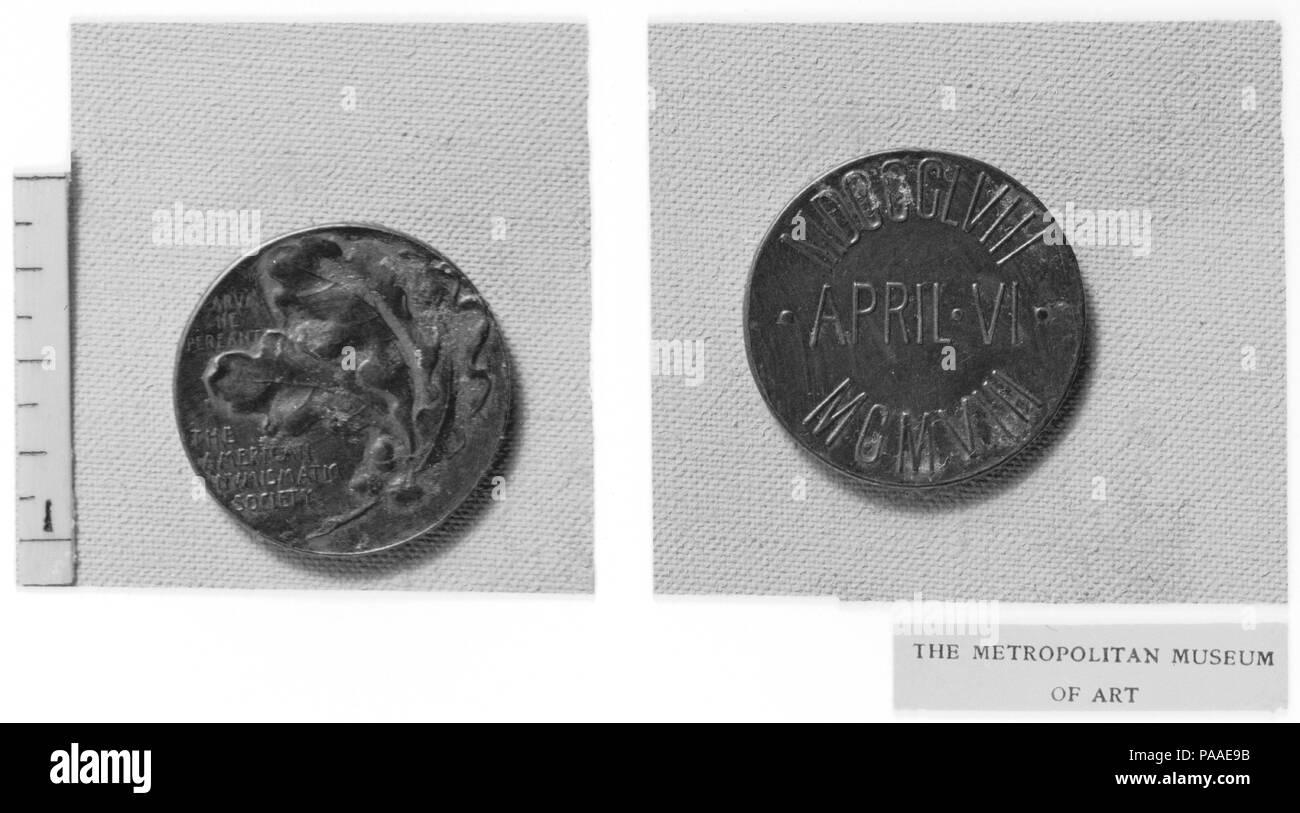 Jubilé de l'American Numismatic Society. Artiste: Victor David Brenner (Américain, né en Lituanie), Kaunas 1871-1924 New York). Dimensions: diam. 7/8 in. (2,2 cm). Date: 1908. Musée: Metropolitan Museum of Art, New York, USA. Banque D'Images