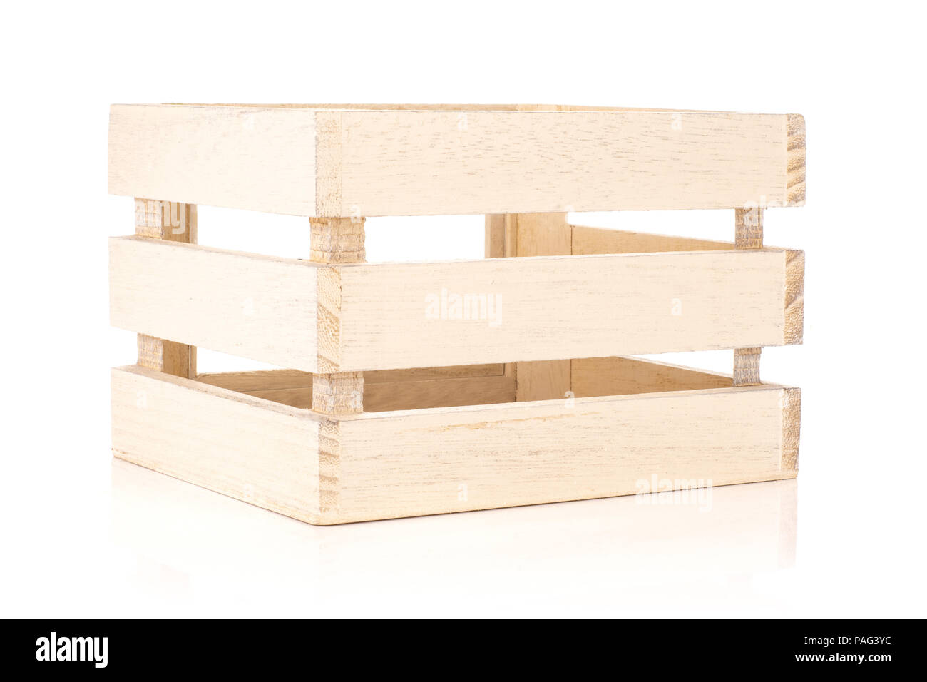 Un ensemble d'outils de cuisine caisse en bois brut isolated on white Photo Stock