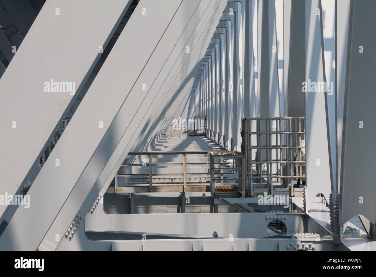 Pont Naruto sur l'île de Shikoku, au Japon, l'affichage de la célèbre Naruto tourbillons. Photo Stock