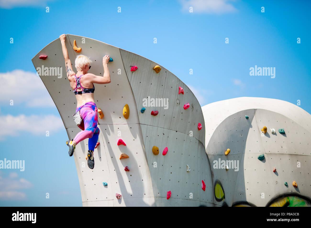 La L'arrière En Femme Jeune Photo De Athlétique Leggings PRwBqqFxA