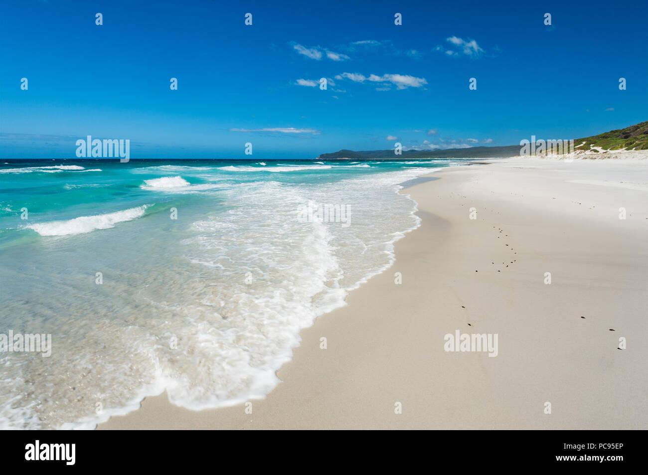 Belle plage paysage à Friendly plages dans le parc national de Freycinet. Banque D'Images
