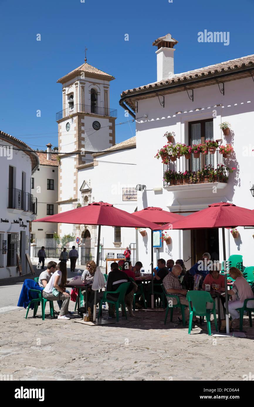 Cafe à Town Square, Grazalema, Parc Naturel Sierra de Grazalema, Andalousie, Espagne, Europe Banque D'Images
