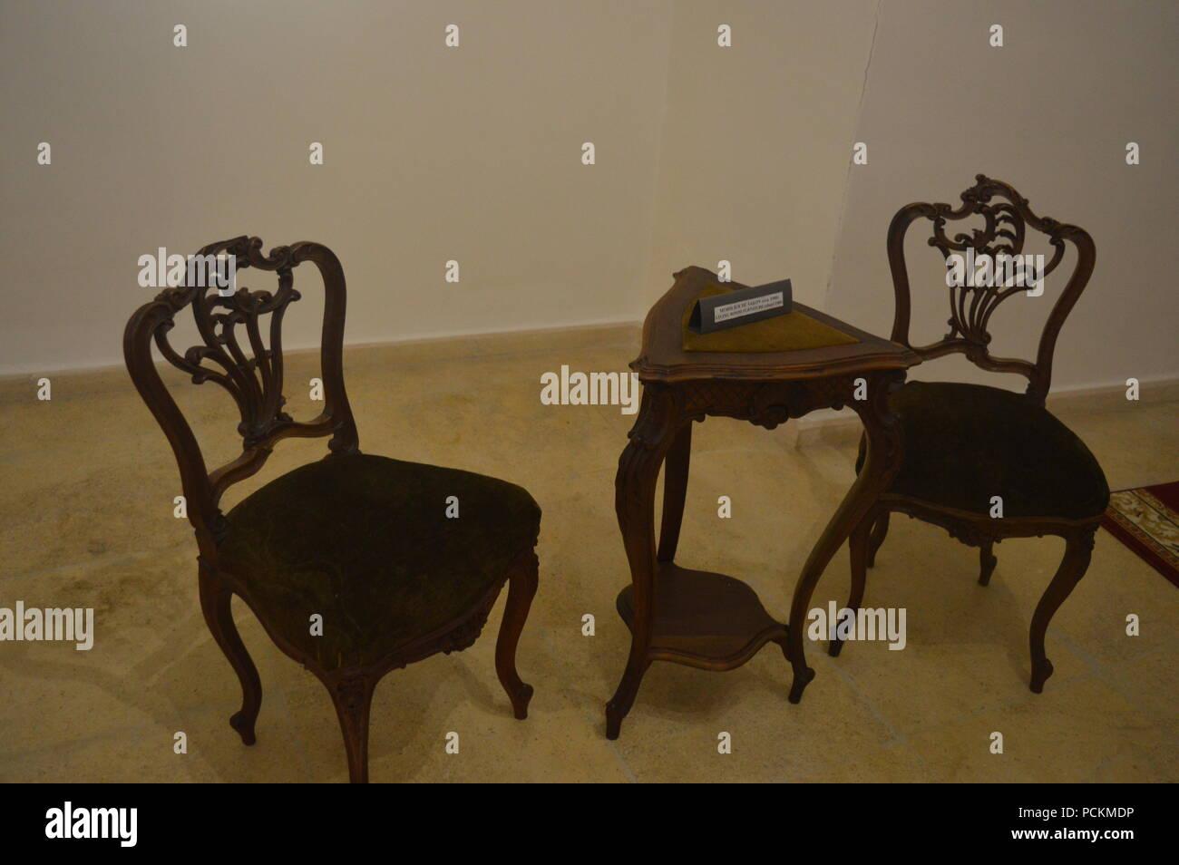 Table Du 19eme Siecle Banque D Image Et Photos Alamy