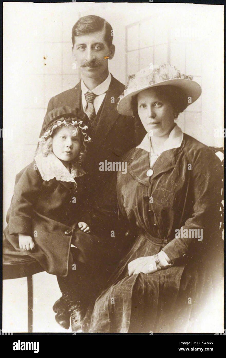 Alfie Fripp et parents. Photo Stock
