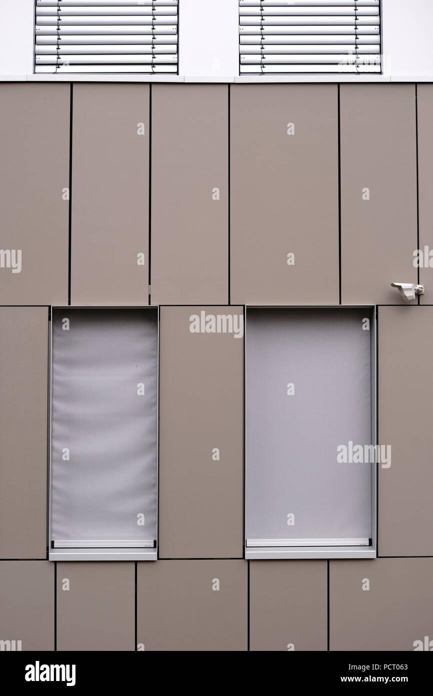 Un Immeuble De Bureaux Moderne Avec Facade Et Avec Une Feuille De