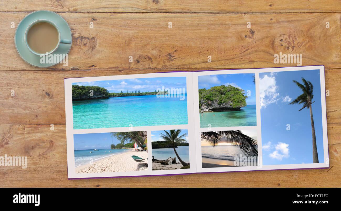 Photobook bannière Album avec Travel Photo de plages sur fond de table en bois et du café ou du thé dans la tasse Photo Stock
