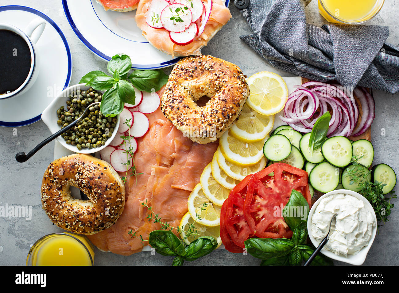 Des Bagels et lox platter Photo Stock