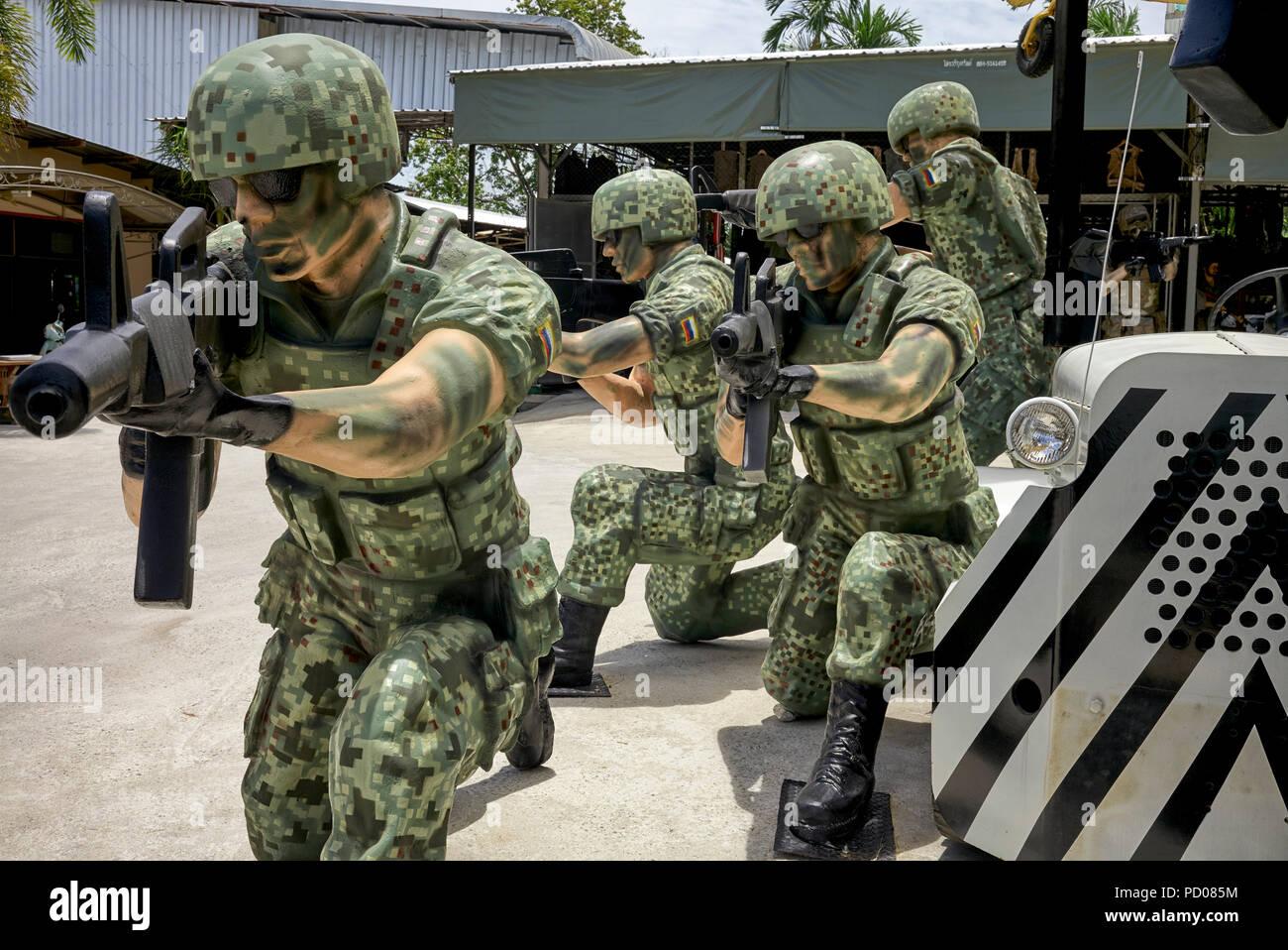 e20f2c4f Des statues de soldats aux Etats-Unis à la guerre Café cafe Pattaya en  Thaïlande