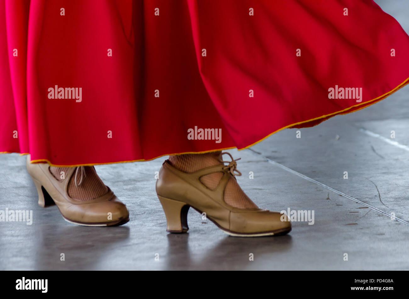 9d84da4cfb3a29 Libre de chaussures typiques de la cuisine espagnole traditionnelle  chaussures pour la danse flamenco, talons